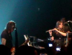 gabi cecon flautista com o cantor pg